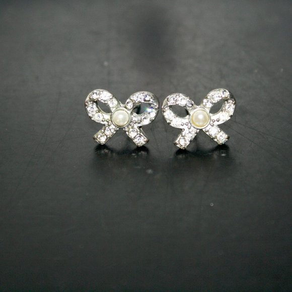 forever 21 Jewelry - F21 Bow Earrings